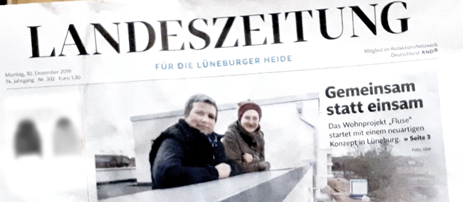 """Titelseite der Landeszeitung Lüneburg vom 30.12.2019. Schlagzeile """"Gemeinsam statt einsam"""", Foto zweier zukünftiger Mitbewohnerinnen"""